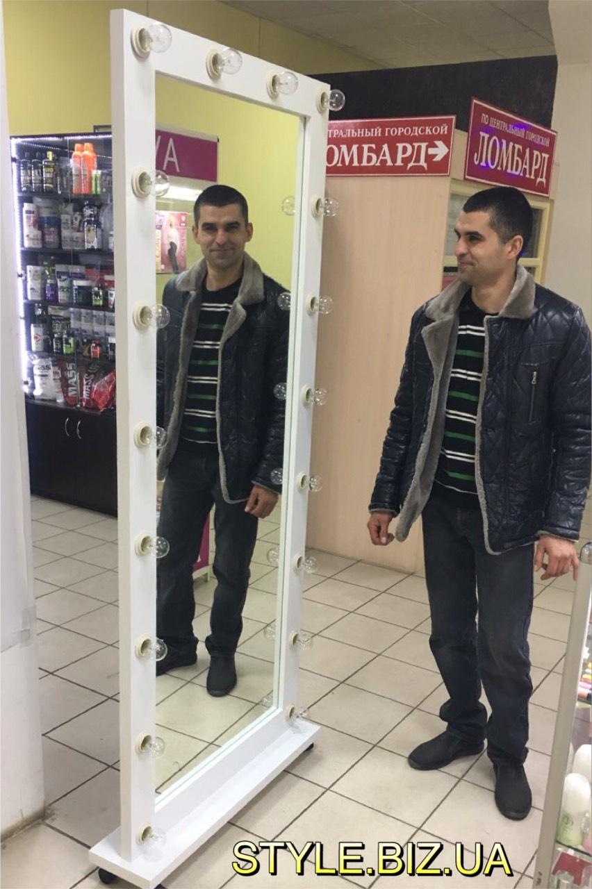 Напольное передвижное зеркало в полный рост для магазина, торгового центра, примерочной.