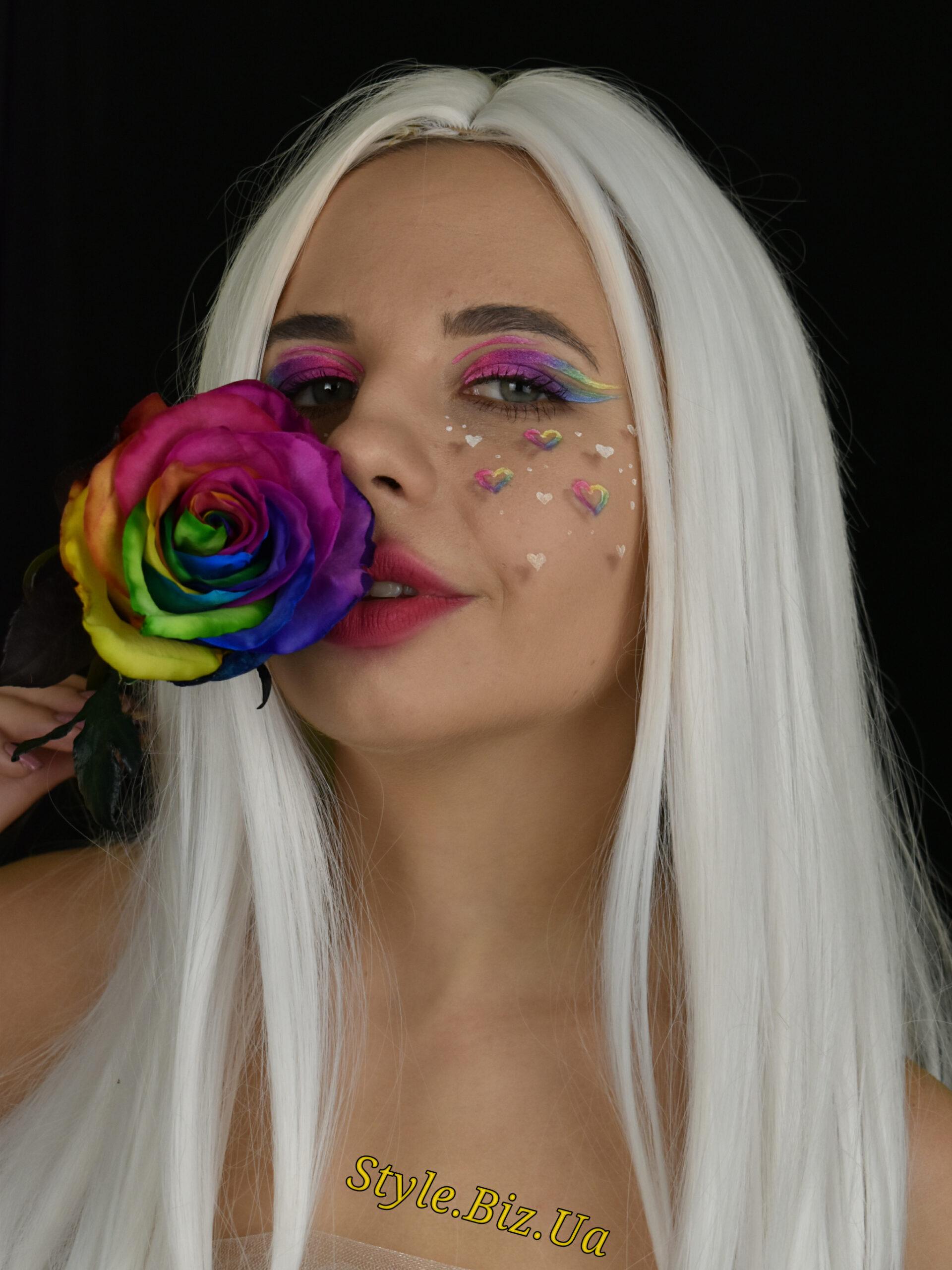 Яркий праздничный макияж и весенняя фотография - разве не праздник жизни?!..