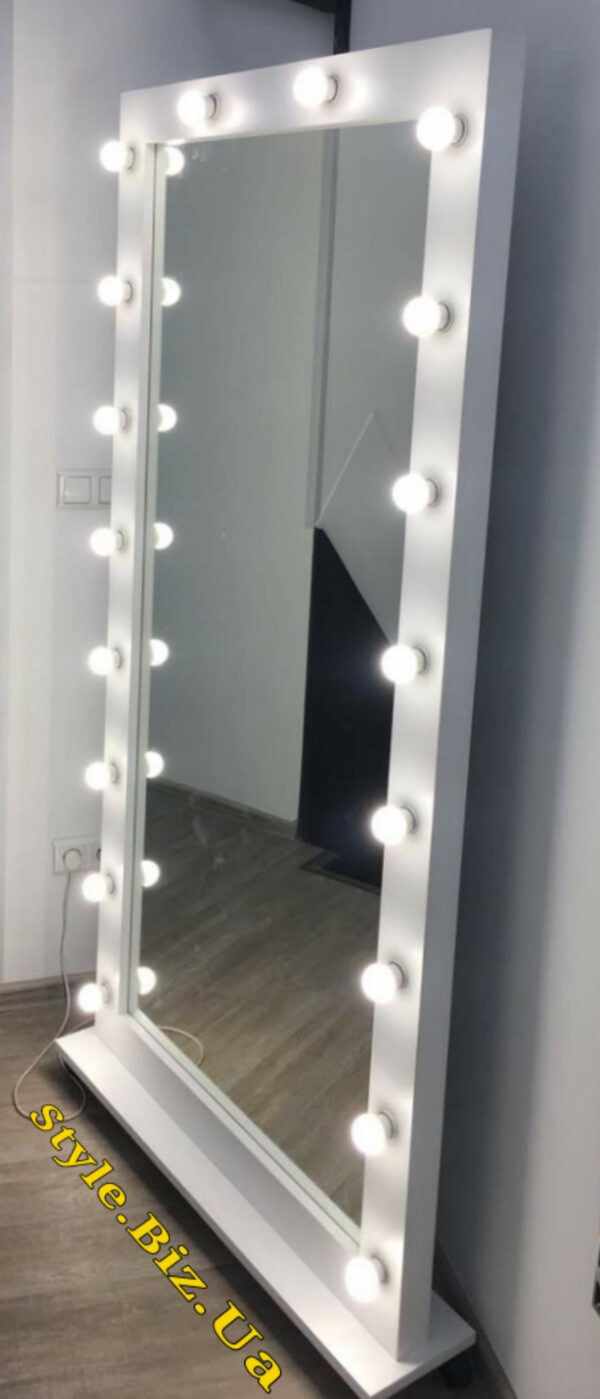 Зеркало для дома, магазина, салона красоты во весь рост с подсветкой лед лампочками - заказать в Киеве, Харькове.
